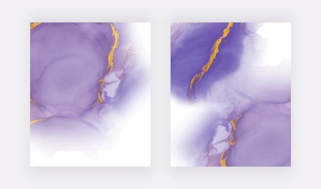 Acuarela de tinta de alcohol púrpura con fondos de textura de brillo dorado.
