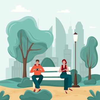 Adicción a los gadgets, hombre y mujer en el banco del parque que dependen de los teléfonos inteligentes.