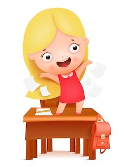 Adios escuela hola verano carácter lindo de la muchacha de la historieta stnding en la tabla de la escuela. ilustración vectorial