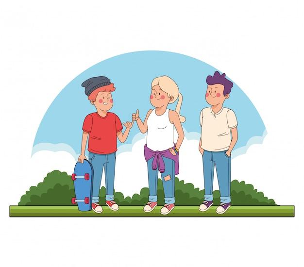 Adolescentes amigos en el parque de dibujos animados.