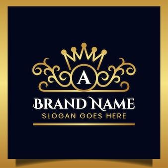 Adorno de lujo elegante con letra inicial y diseño de corona para su plantilla de logotipo de marca real
