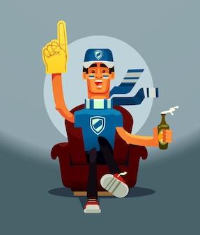 Aficionado al juego de fútbol personaje de hombre sonriente feliz sentado en el sofá de casa y viendo el partido deportivo en la televisión. ilustración de dibujos animados plano de vector