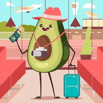 Aguacate divertido en la terminal del aeropuerto con equipaje, cámara, pasaporte y boleto de embarque. personaje de dibujos animados turístico del vector de la fruta linda.