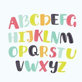 Alfabeto de dibujos animados con ojos y pestañas sobre fondo blanco. lindo abc para portada de libro, póster, tarjeta, impresión en ropa de bebé, almohada, etc. composición de letras coloridas.
