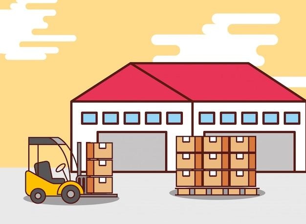 Almacén logístico de cajas de cartón y máquina de montacargas