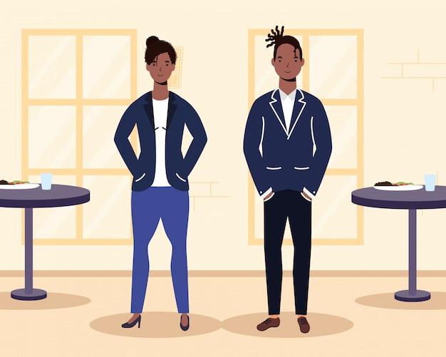 Amantes de la joven pareja afro en la escena del restaurante