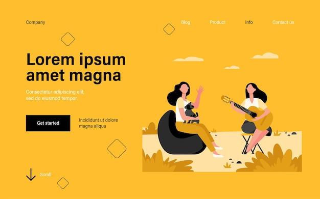 Amigas y mascota relajante página de inicio al aire libre en estilo plano