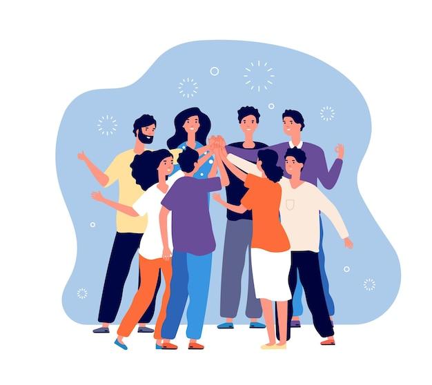Amigos chocando los cinco. equipo de gente grande haciendo cinco juntos, grupo de amigos felices, saludo informal, concepto de vector de motivación de comando.