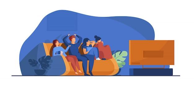 Amigos viendo películas de terror