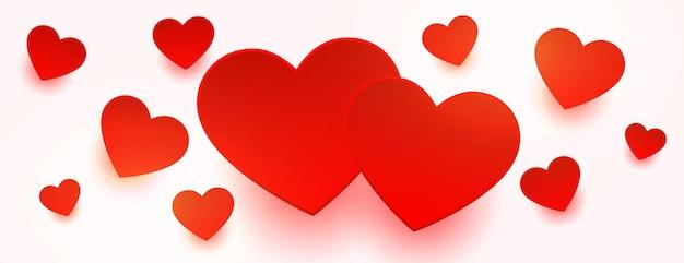 Amor corazones rojos flotando en el diseño de banner blanco