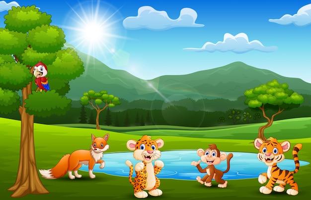 Animales felices jugando junto a pequeños estanques con paisajes de montaña.