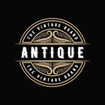 Antiguo logotipo caligráfico victoriano de lujo retro con marco ornamental adecuado para barbero vino carft tienda de cerveza spa salón de belleza boutique restaurante antiguo hotel resort clásico marca real