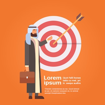 Arab business man arrow hit objetivo objetivo exitoso