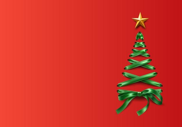 Árbol de navidad hecho de cinta verde con cordones con estrella dorada