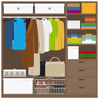 Armario de ropa de hombre con diferentes tipos de ropa.