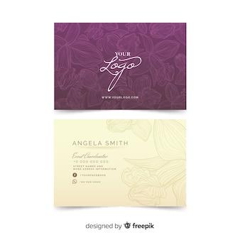 Arreglo floral en plantilla de tarjeta de visita