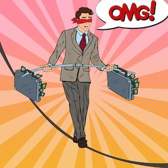 Arte pop asustado hombre de negocios caminando sobre la cuerda con maletín de dos dinero. riesgo de inversión.