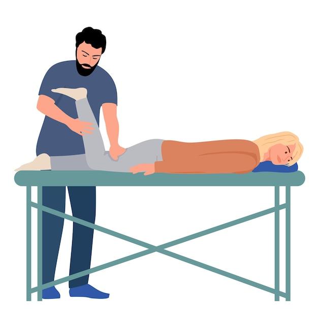 Asistencia de rehabilitación de fisioterapia paciente acostado en la mesa de masaje terapeuta haciendo curación