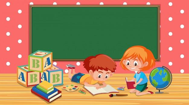 Aula con libro de lectura niño y niña