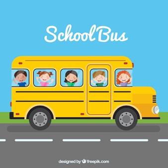 Autobús escolar y niños con diseño plano