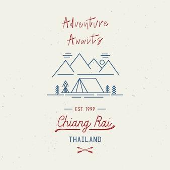 La aventura aguarda con la redacción a mano de chiang rai. nombre de la ciudad en la provincia norteña de tailandia. concepto de viaje con salpicaduras de acuarela abstracta.