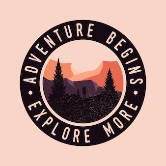 La aventura comienza con colorido explora el logotipo de la insignia vintage retro
