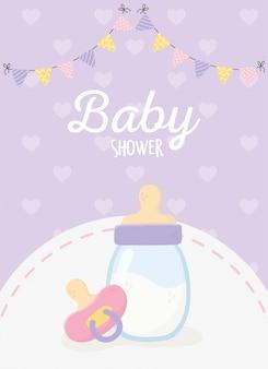Baby shower, botella de leche chupete banderines corazones fondo púrpura