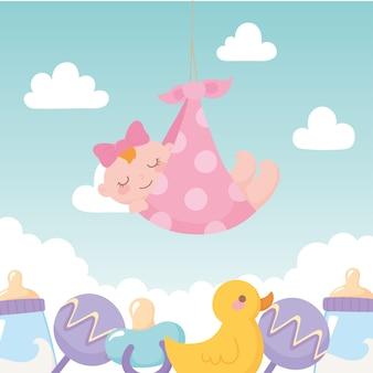 Baby shower, niña en manta con juguetes, celebración bienvenido recién nacido