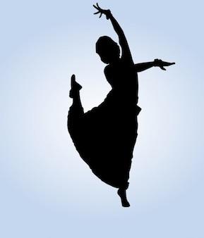 Bailarina india posando