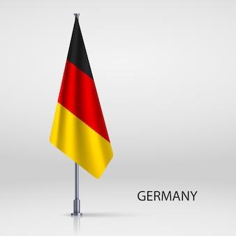 Bandera colgante en plantilla de mástil de bandera