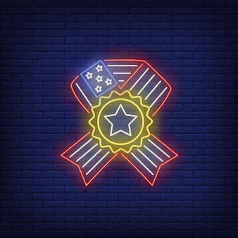 Bandera de estados unidos cinta con letrero de neón estrella. historia de usa, símbolo patriótico.