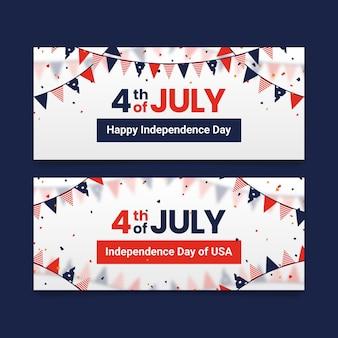Banderas del día de la independencia con guirnaldas