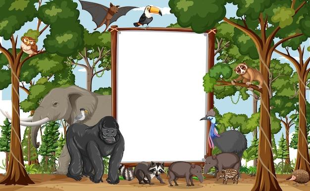 Banner en blanco en la escena de la selva tropical con animales salvajes