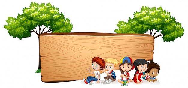 Banner en blanco con niños felices
