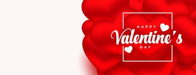 Banner de corazones rojos románticos para el día de san valentín