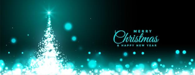 Banner de feliz navidad y año nuevo con árbol brillante