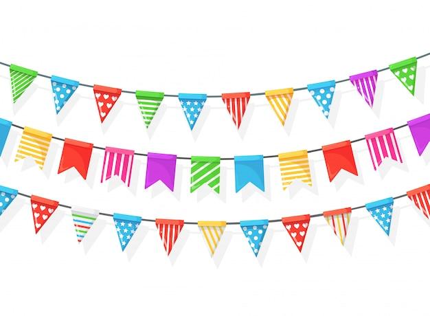 Banner con guirnalda de banderas y cintas del festival de color, empavesado aislado sobre fondo blanco. decoración, símbolos para celebrar la fiesta de cumpleaños feliz, carnaval, feria. diseño plano