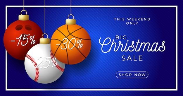 Banner horizontal de lujo feliz navidad. pelotas de baloncesto, bolos y béisbol deportivos cuelgan de un hilo sobre fondo azul moderno.