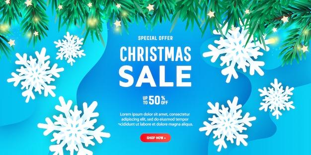 Banner o cartel creativo de descuento de feliz navidad con copos de nieve de papel 3d volando en el aire
