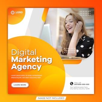 Banner de publicación de medios sociales de marketing de negocios digitales y plantilla de volante cuadrado