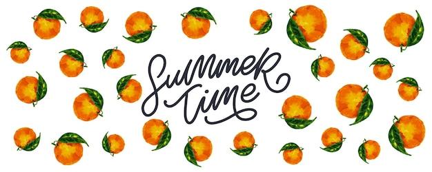 Banner de rebajas de verano con letra de frutas naranja