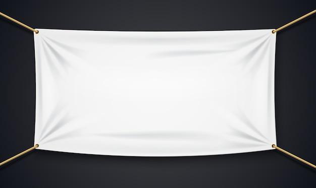 Banner textil con cuerda aislada sobre fondo negro