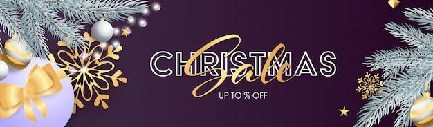 Banner de venta de navidad con bombillas plateadas brillantes