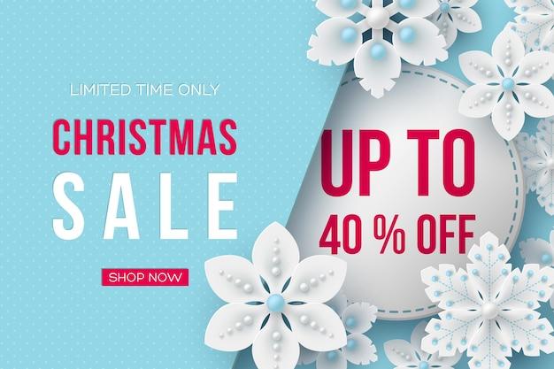Banner de venta de navidad. copos de nieve decorativos 3d y etiqueta con texto sobre fondo punteado azul. ilustración vectorial para descuentos en vacaciones de invierno.