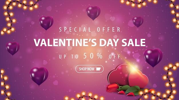 Banner de venta de san valentín con globos en forma de corazón