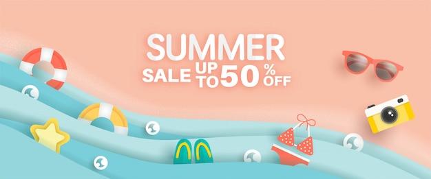 Banner de venta de verano con elemento de verano en papel cortado estilo