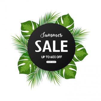 Banner de venta de verano con hojas tropicales.