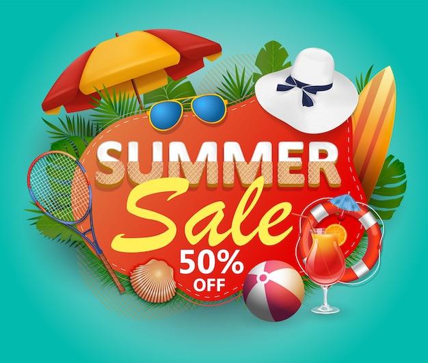 Banner de venta de verano para promoción con hojas de palmera y coloridos elementos de playa.