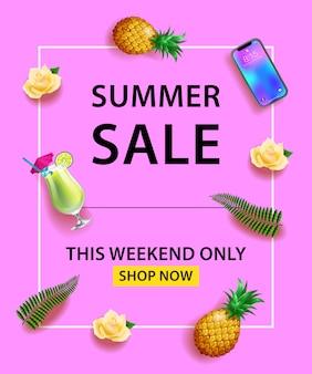 Banner de venta de verano. smartphone, cóctel, piña, rosas, hojas de palma