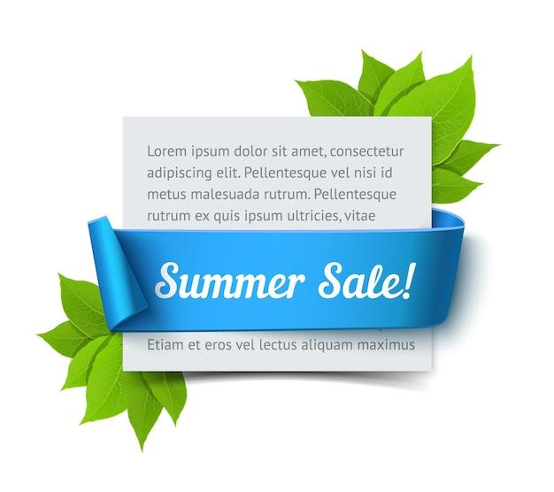 Banner de venta de verano. tarjeta de papel realista con cinta azul y hojas verdes.
